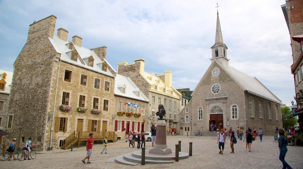 Place Royale mostrando un parque o plaza, patrimonio de arquitectura y una ciudad