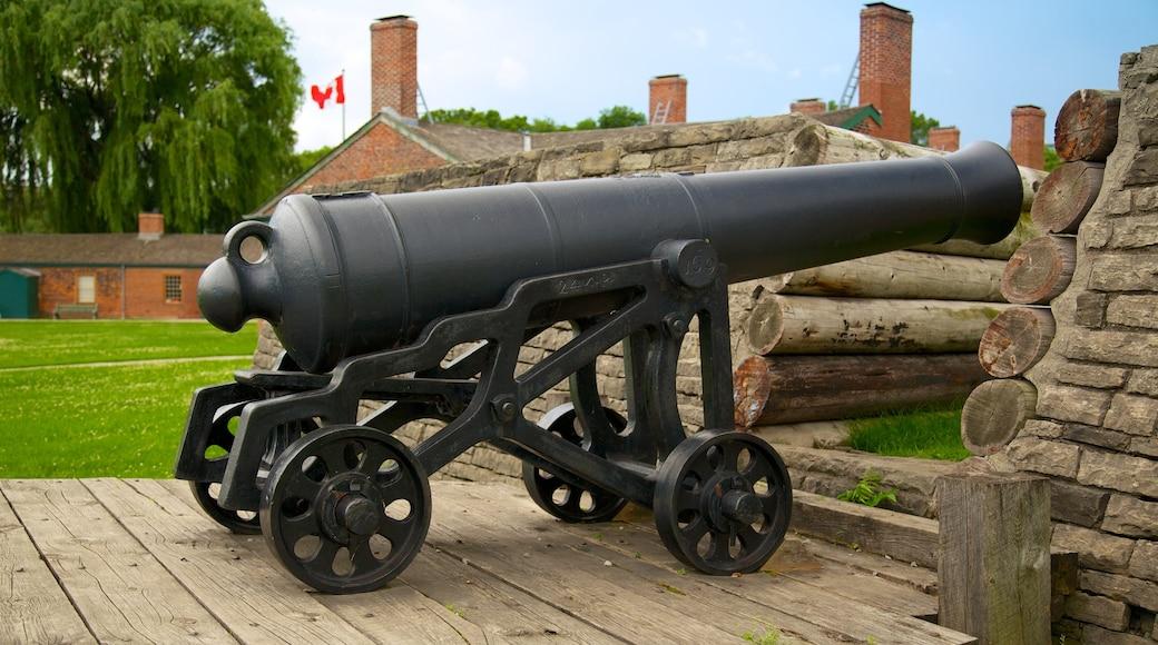 Site historique national de Fort York mettant en vedette articles militaires
