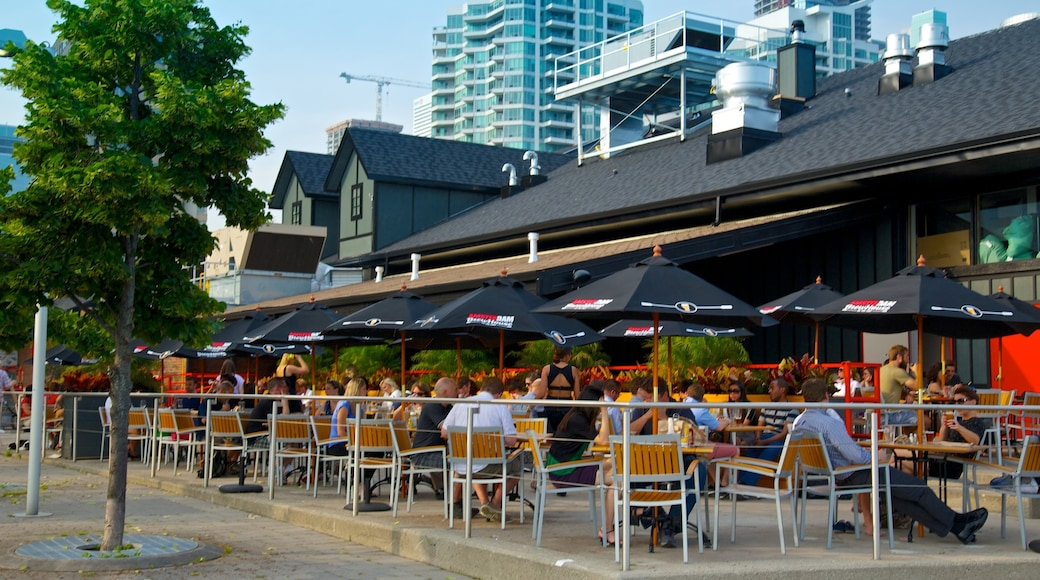 Harbourfront Centre which includes street scenes, café lifestyle and outdoor eating