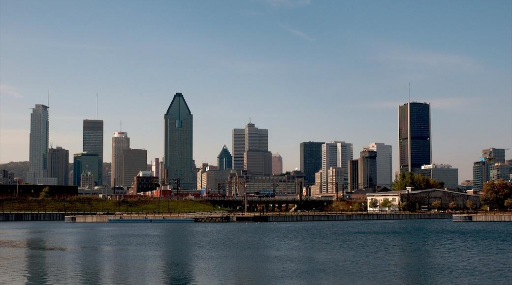 Montréal mostrando città, fiume o ruscello e grattacielo