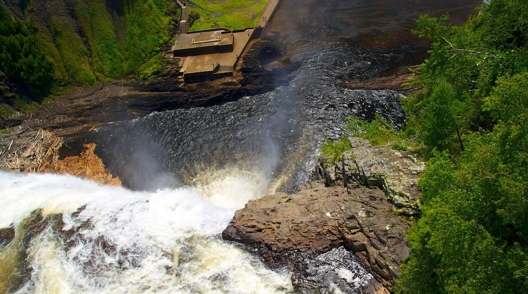 Montmorency Falls showing landscape views, a cascade and a river or creek