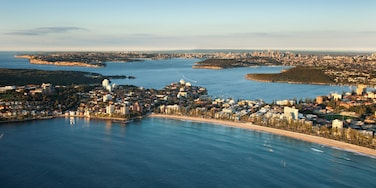 Manly which includes general coastal views, a coastal town and landscape views