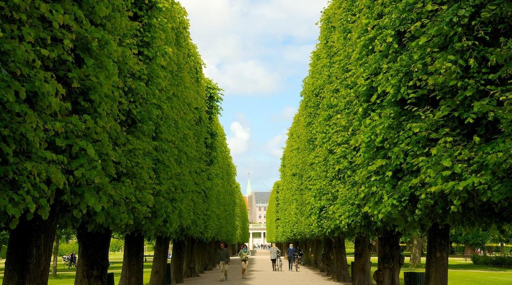 Château de Rosenborg montrant parc