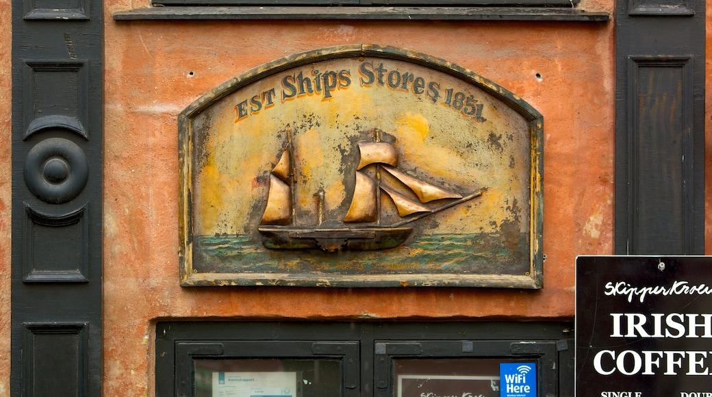 Nyhavn qui includes signalisation et patrimoine historique