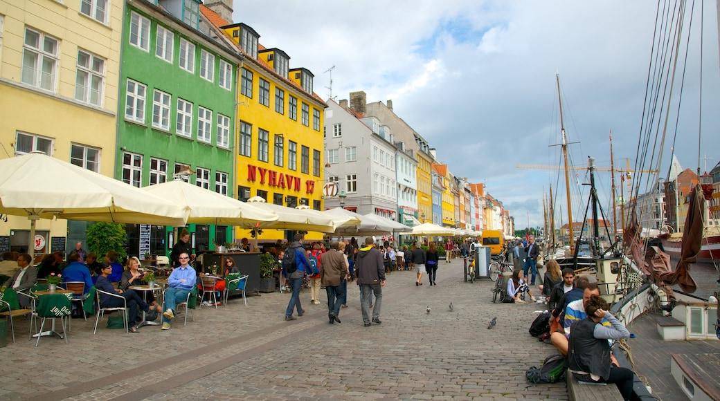 Nyhavn bevat straten, historische architectuur en een stad