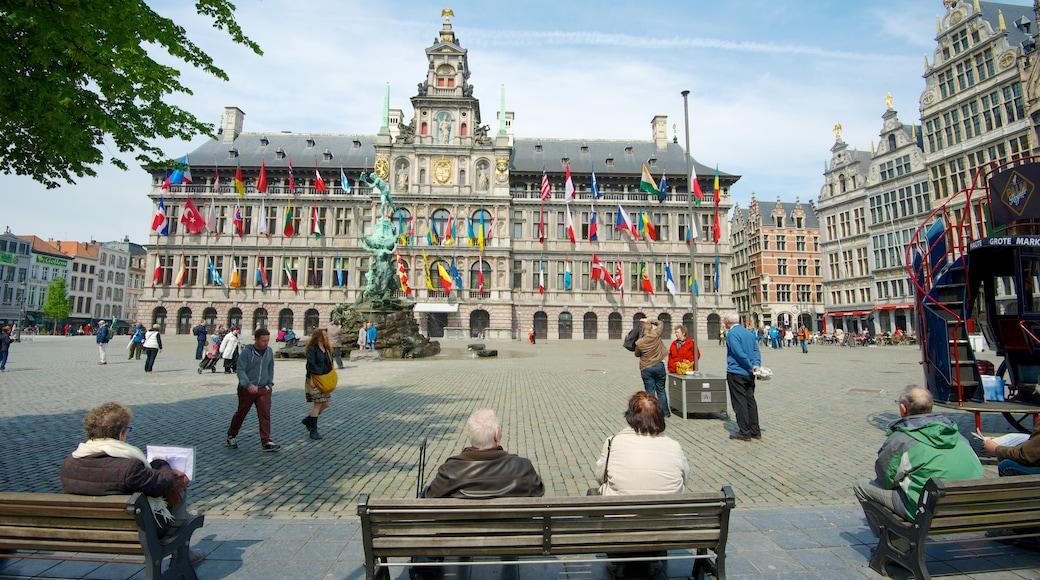 Grote Markt in Antwerpen bevat een fontein, een stad en een plein