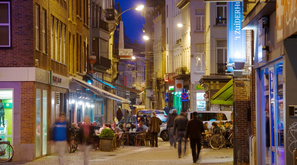 Anversa che include paesaggio notturno, bar e caffè e oggetti d\'epoca