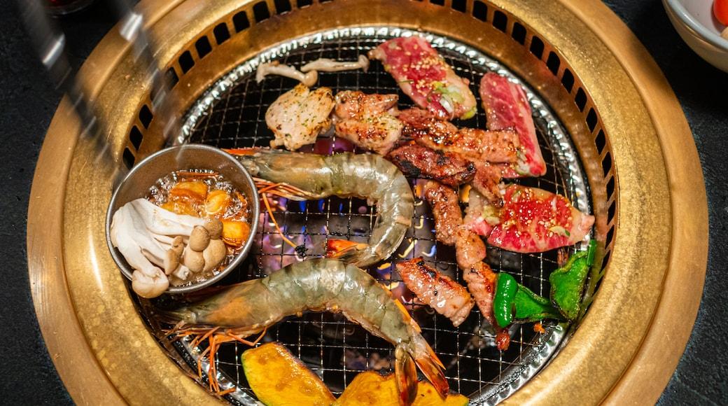 Fujikawaguchiko which includes food