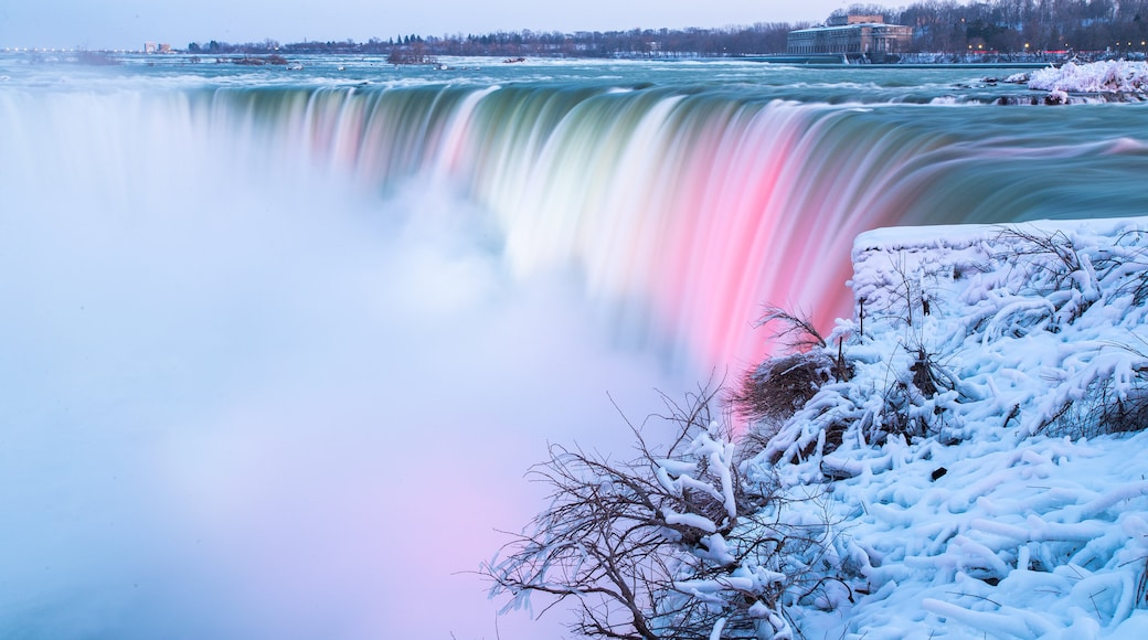 Niagara Falls, Canada which includes a waterfall