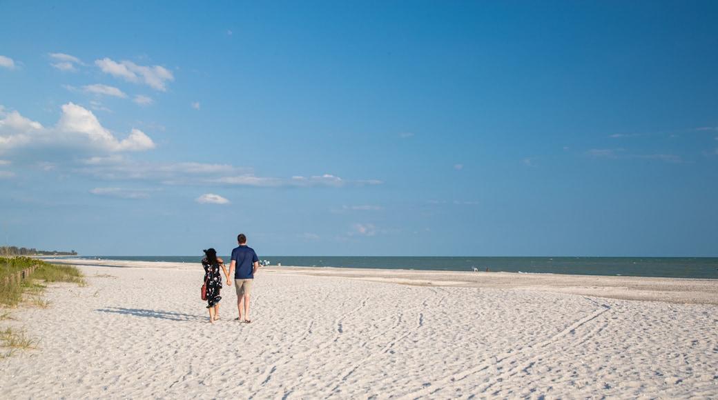 Bowman\'s Beach showing general coastal views and a sandy beach as well as a couple
