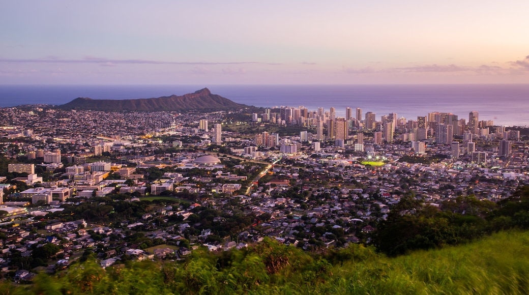 Makiki - Lower Punchbowl - Tantalus showing landscape views, a sunset and a city