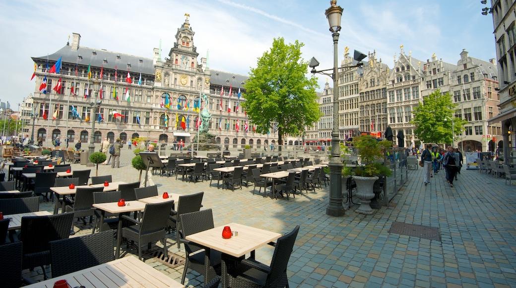 Grote Markt in Antwerpen toont buiten eten, historische architectuur en een plein
