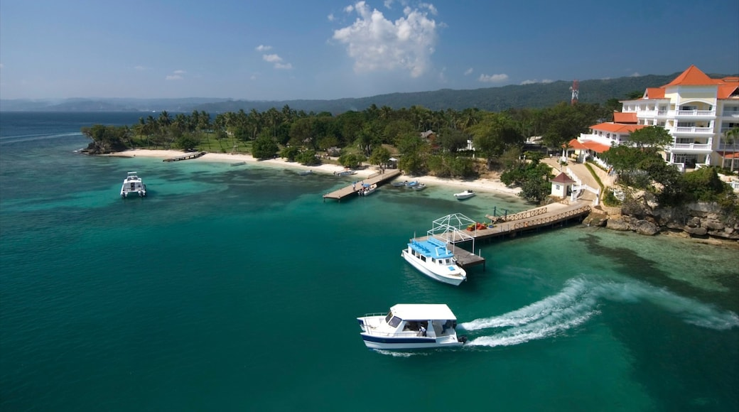 Dominican Republic showing boating, tropical scenes and a marina