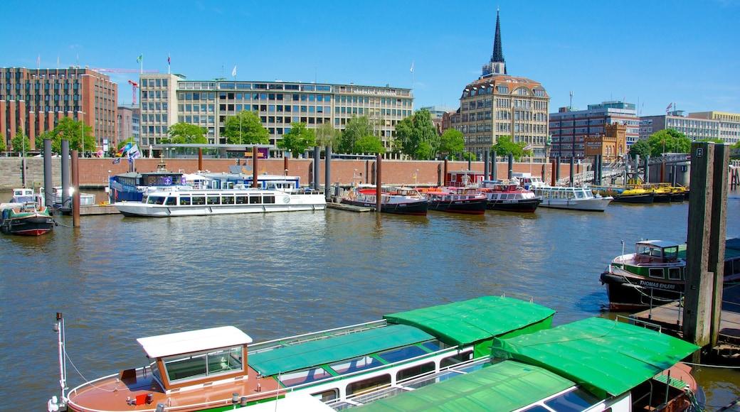 Speicherstadt fasiliteter samt marina, bukt eller havn og elv eller bekk