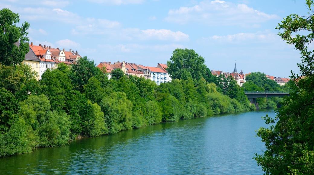 Bamberg mostrando città e fiume o ruscello