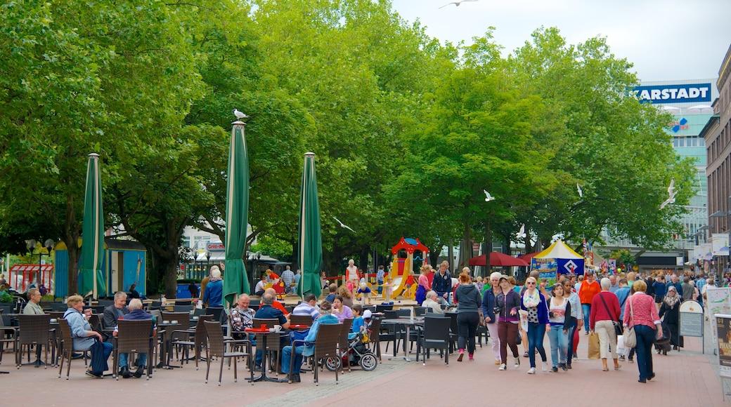 Kiel mit einem Straßenszenen, Essen im Freien und Stadt