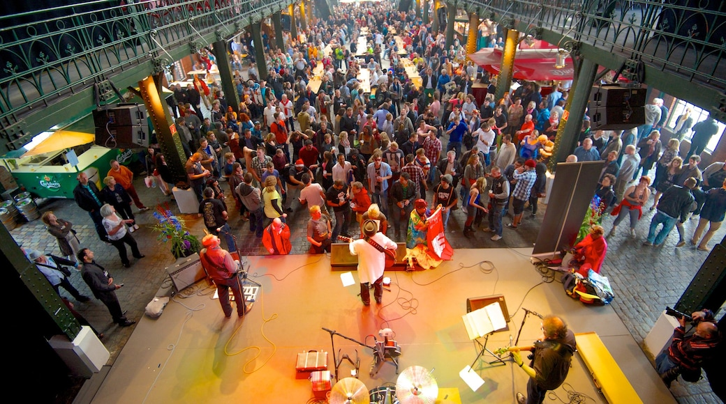 Fish Market featuring music, interior views and markets