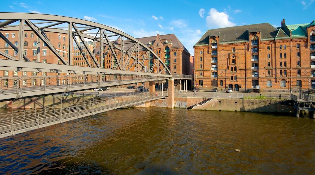 Speicherstadt das einen Brücke, historische Architektur und Fluss oder Bach