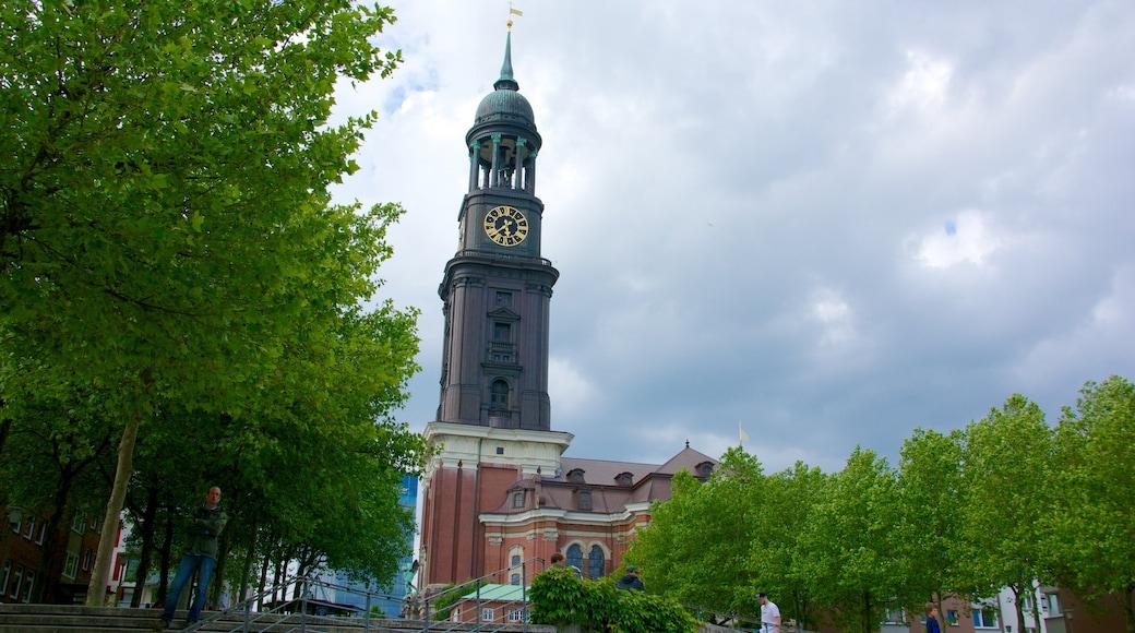 St.-Michaelis-Kirche mit einem Kirche oder Kathedrale