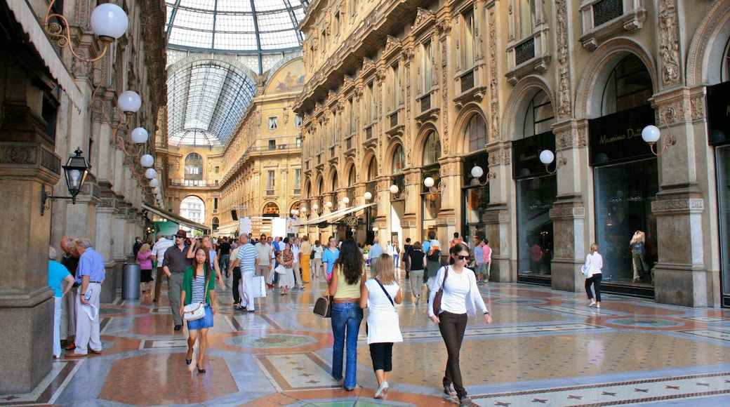 Galleria Vittorio Emanuele II showing heritage architecture, interior views and shopping