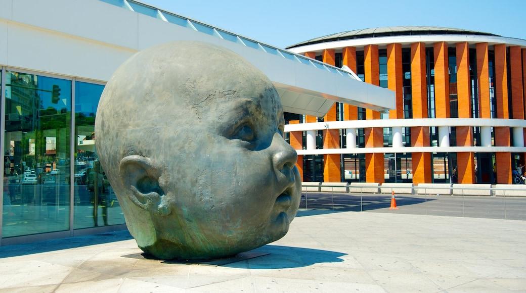 馬德里 设有 雕像或雕塑 和 戶外藝術