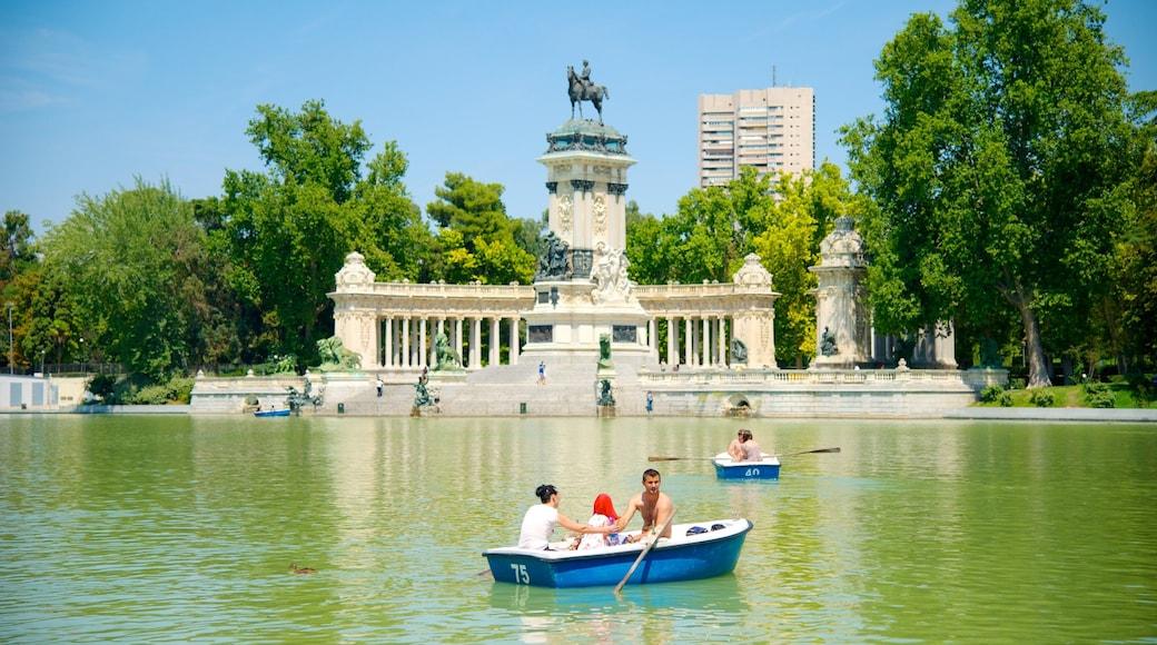 馬德里 设有 花園, 湖泊或水池 和 皮划艇或獨木舟
