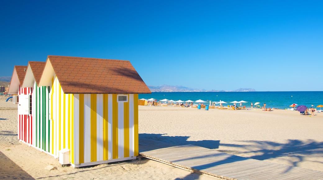 Alicante toont een zandstrand