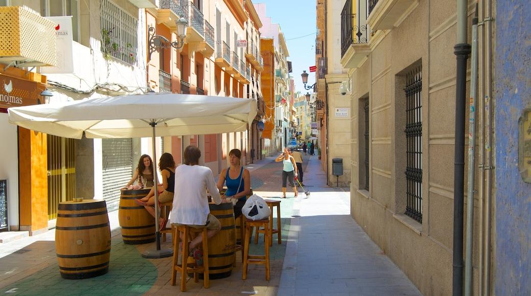Alicante que incluye una ciudad, escenas cotidianas y comidas al aire libre