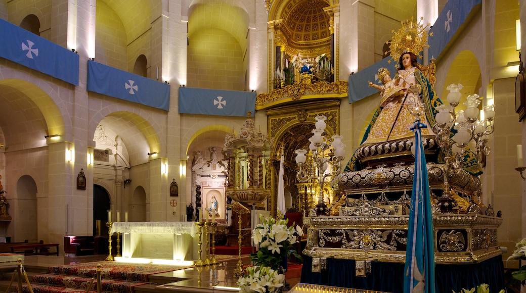 Catedral San Nicolás inclusief religieuze aspecten, interieur en een kerk of kathedraal