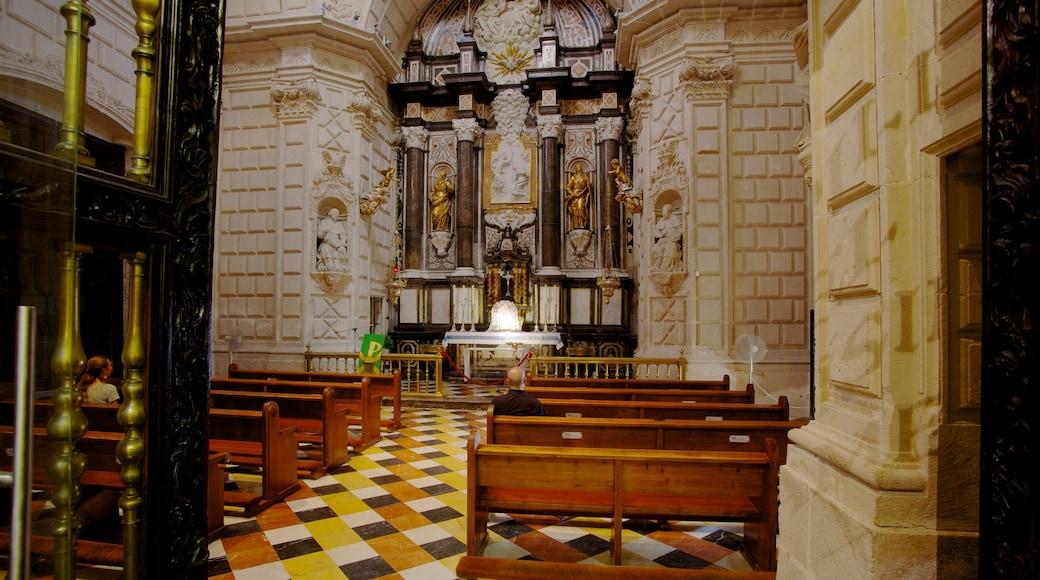 Catedral San Nicolás bevat een kerk of kathedraal, interieur en religieuze elementen