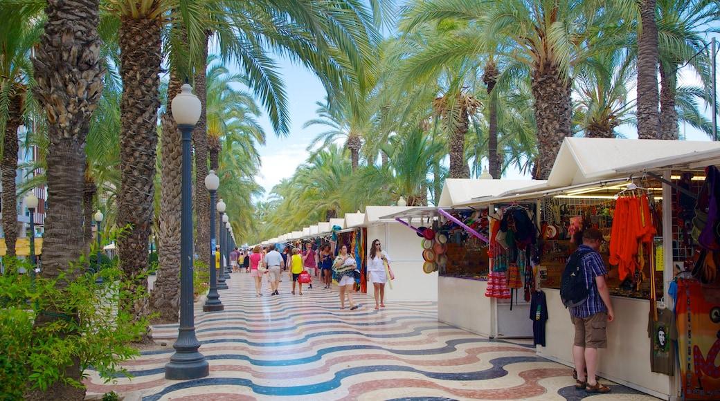 Explanada de España qui includes ville côtière, marchés et scènes de rue