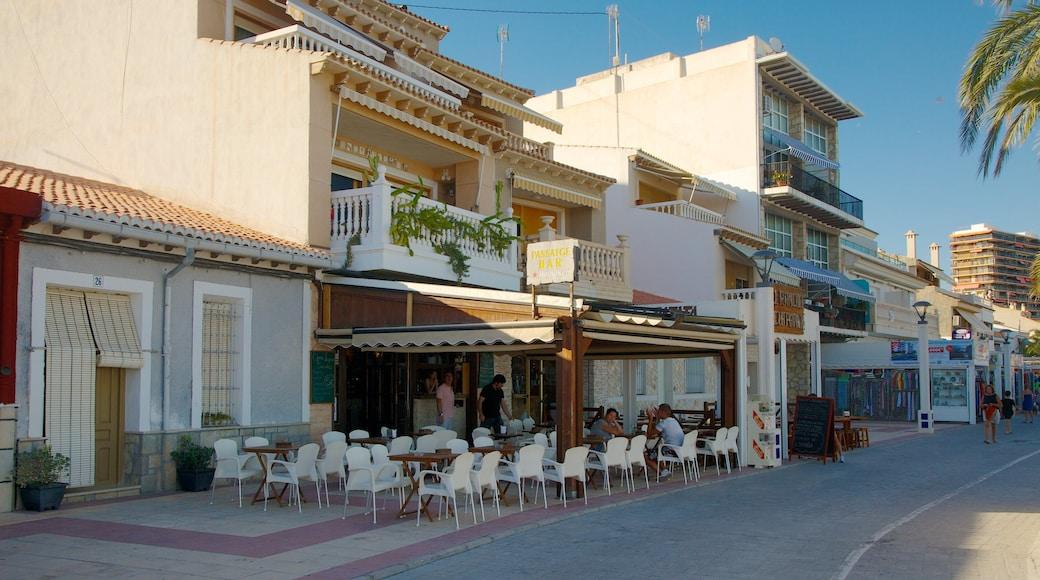 Campello Strand welches beinhaltet Straßenszenen, Küstenort und Essen im Freien