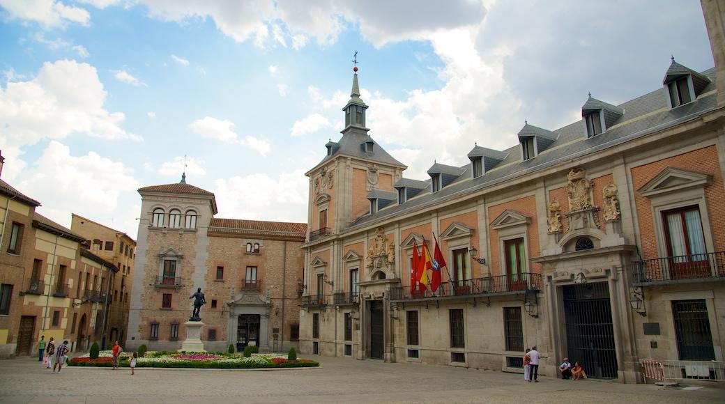 市政廳廣場 设有 城市, 廣場 和 行政大樓