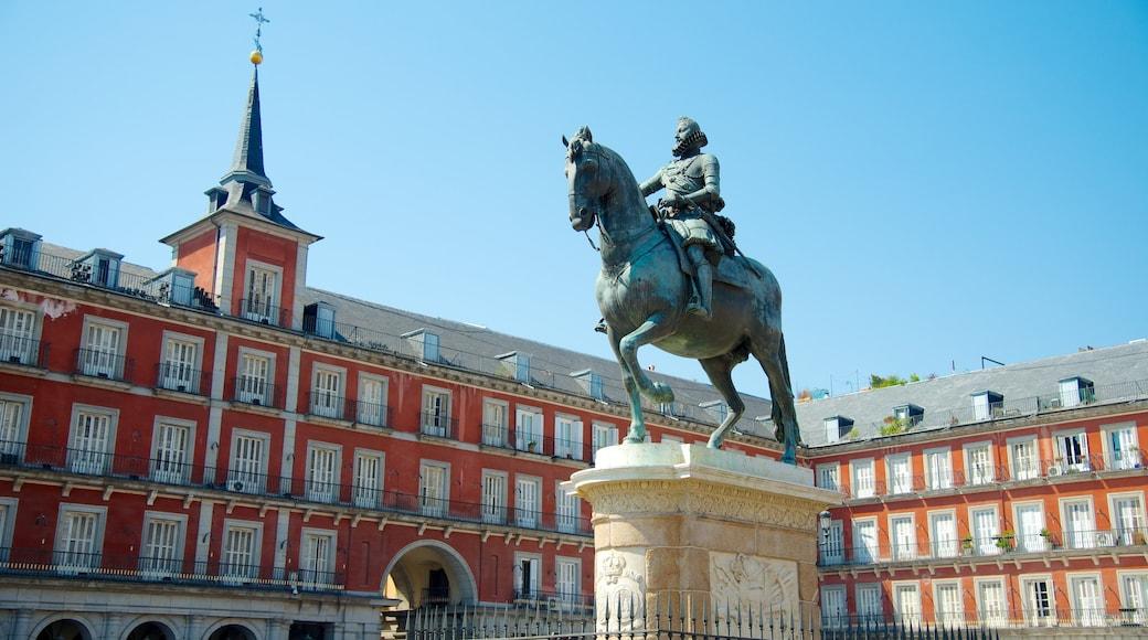 Plaza Mayor welches beinhaltet historische Architektur, Verwaltungsgebäude und Platz oder Plaza