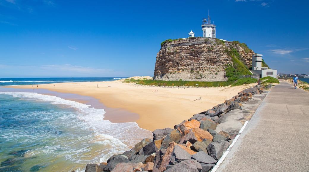 Nobbys Head Beach