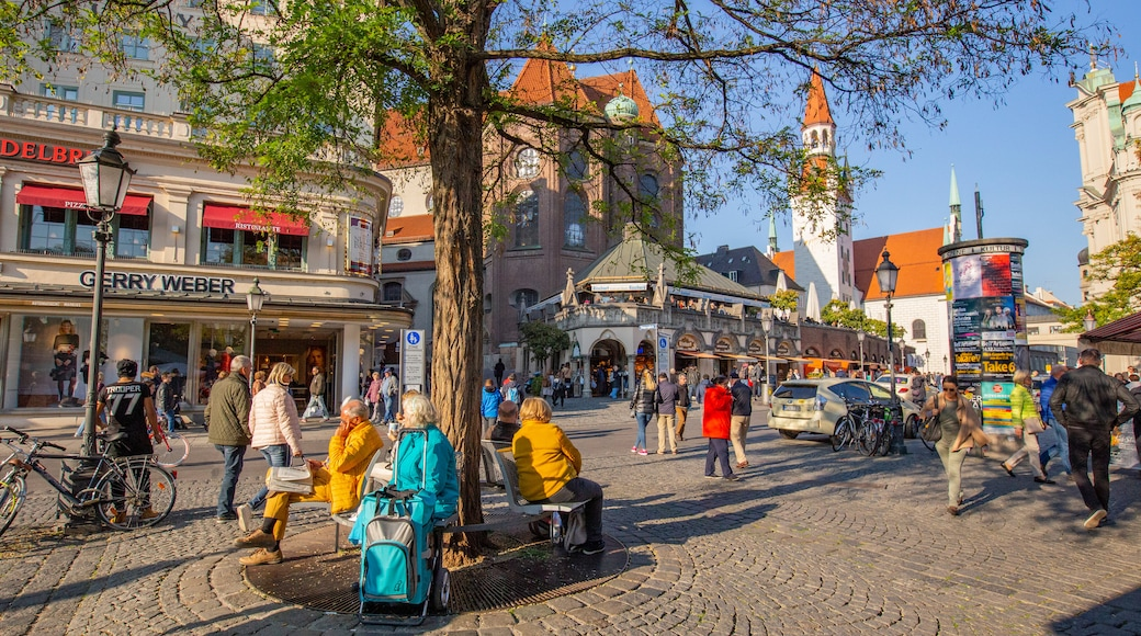 Viktualienmarkt featuring street scenes and a square or plaza