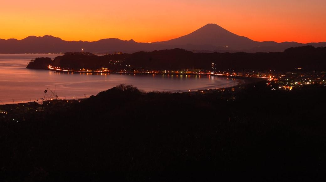 Kamakura featuring general coastal views, landscape views and a sunset