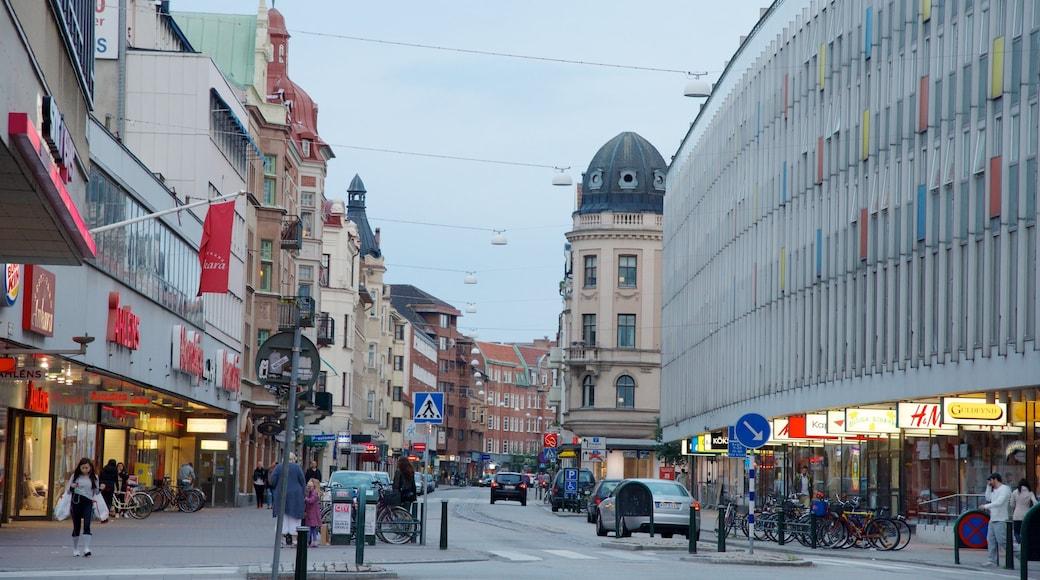 Malmö welches beinhaltet Stadt und Straßenszenen