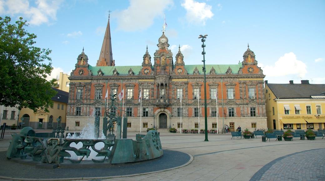 Rådhuset presenterar en administrativ byggnad, historisk arkitektur och en stad