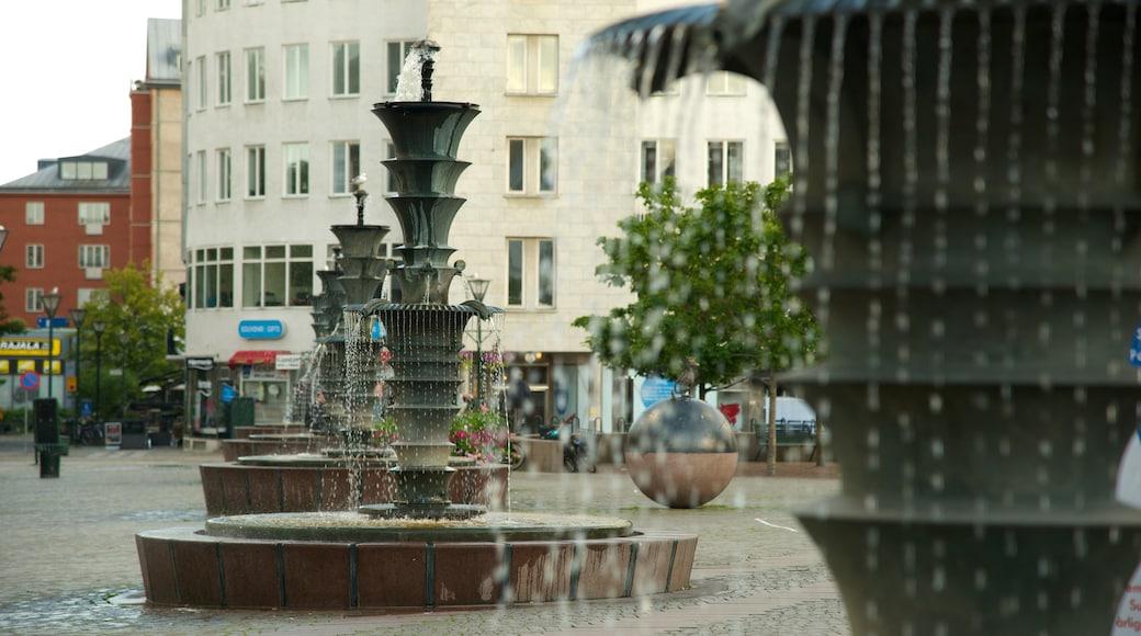 Gustav Adolfs torg presenterar en stad, en fontän och ett torg