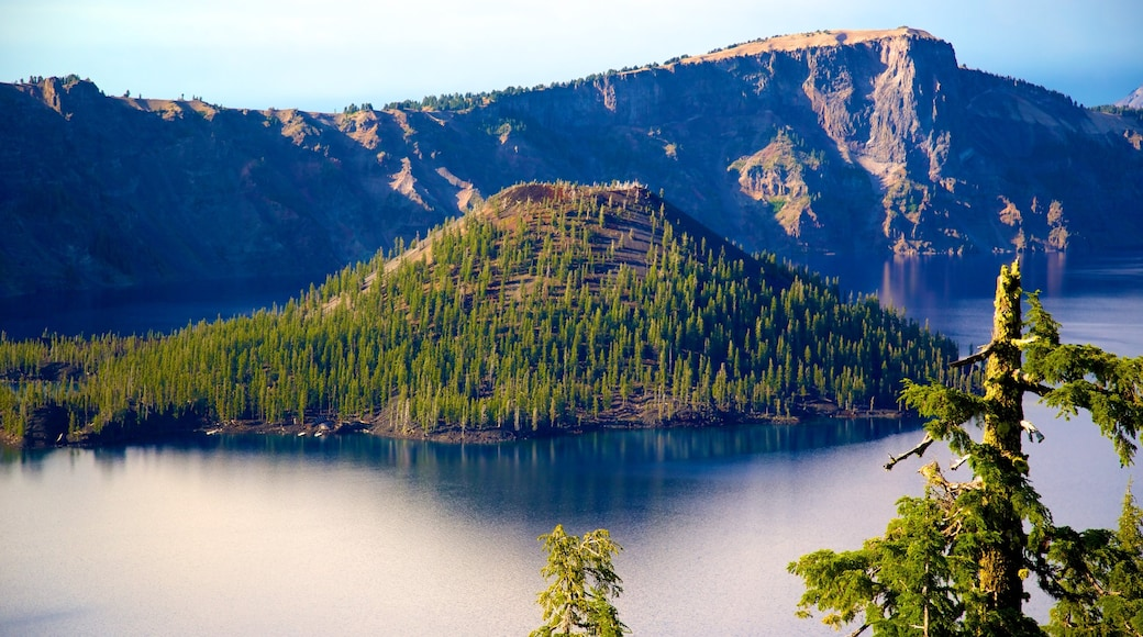 Crater Lake National Park which includes mountains, landscape views and a lake or waterhole