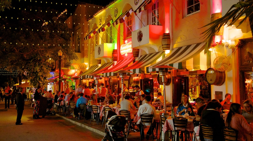 Espanola Way and Washington Avenue which includes outdoor eating, dining out and street scenes