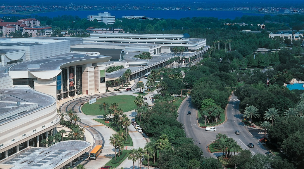 Orlando Premium Outlets International Drive featuring shopping, general coastal views and a city