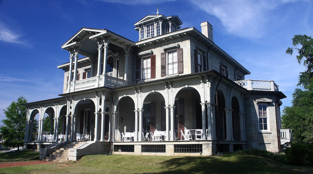 Alabama featuring a house and heritage architecture