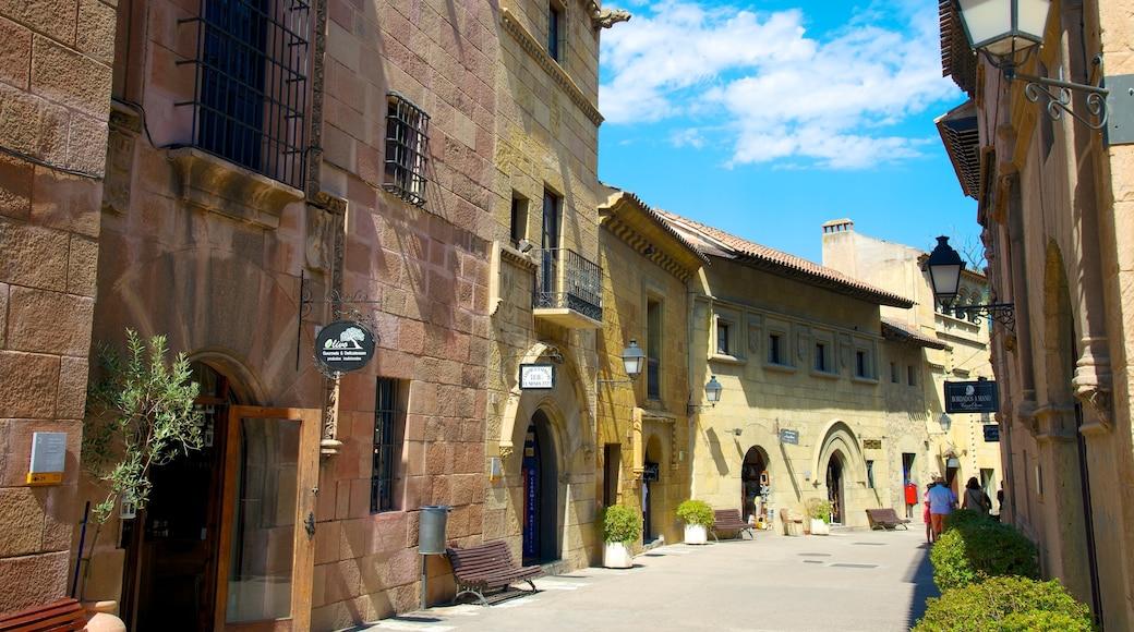 西班牙村 其中包括 歷史建築 和 街道景色