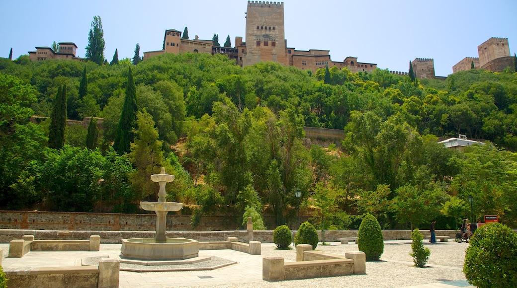 Granada featuring a square or plaza, a castle and heritage architecture