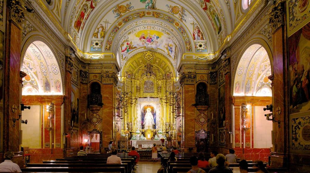 Basílica de la Macarena das einen Kirche oder Kathedrale, Kunst und religiöse Elemente