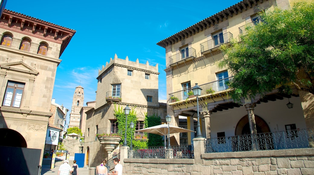 Poble Espanyol featuring heritage architecture and a city