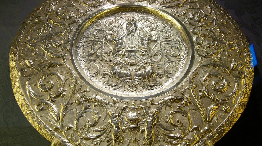 Kathedrale von Sevilla mit einem Innenansichten, religiöse Aspekte und Kirche oder Kathedrale
