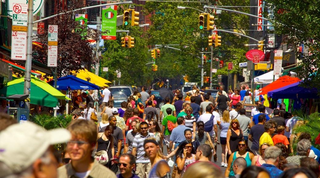 Little Italy che include mercati, città e strade